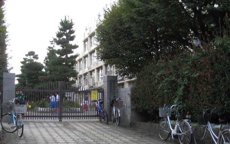 練馬区立開進第二中学校正門