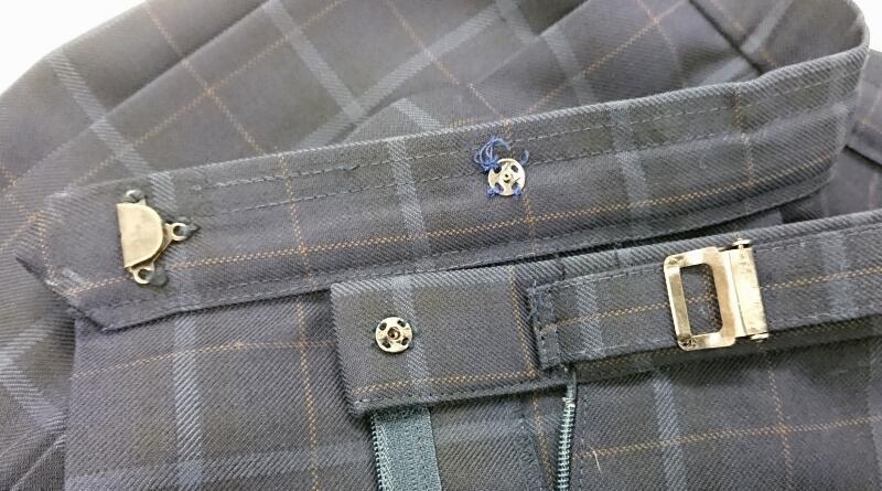 学生服スカートのスナップボタン